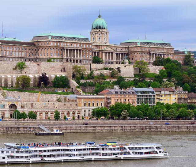 budapest-2637906-1920.jpg