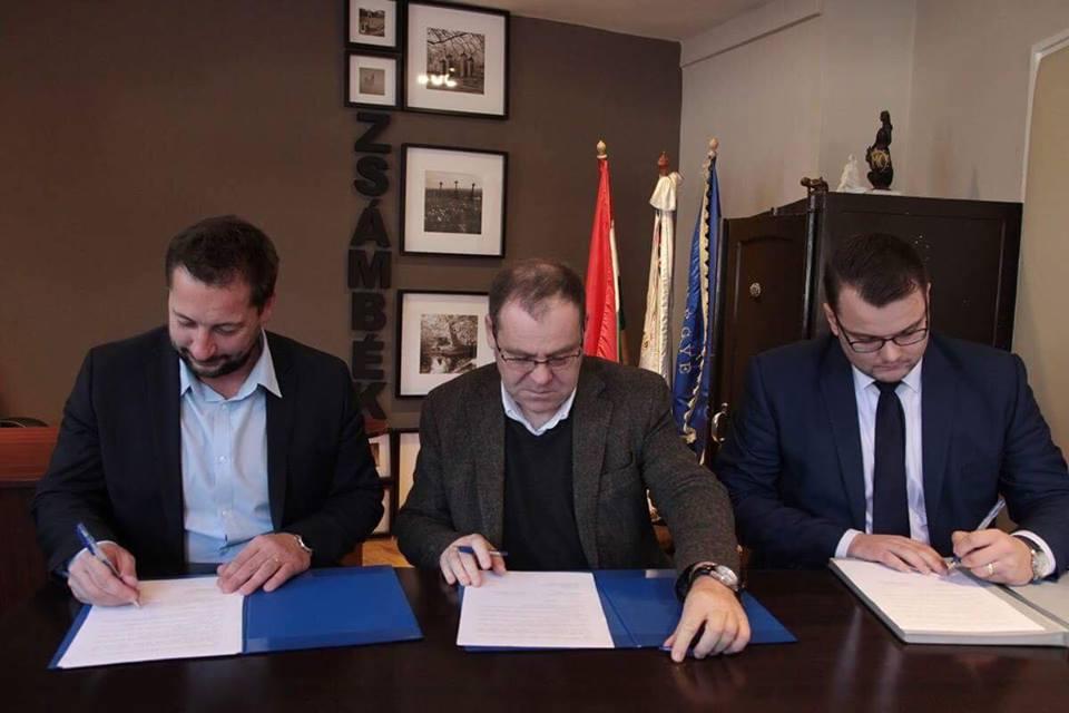 Együttműködés aláírása, a Kodolányi főiskola, Zsámbék önkormányzata és a TTP. között  (5).jpg