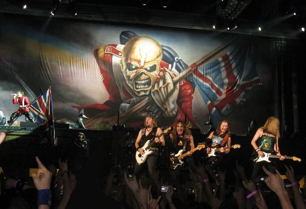 1024px-Iron_Maiden_in_the_Palais_Omnisports_of_Paris-Bercy_(France).jpg