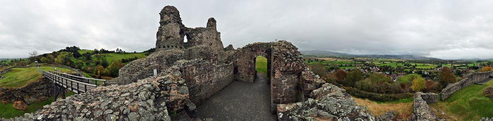 1222px-Montgomery_Castle,_Wales,_360°_Panorama_II.jpg