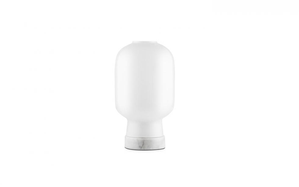 502075_Amp_Table_Lamp_EU_WhiteWhite_1.jpg