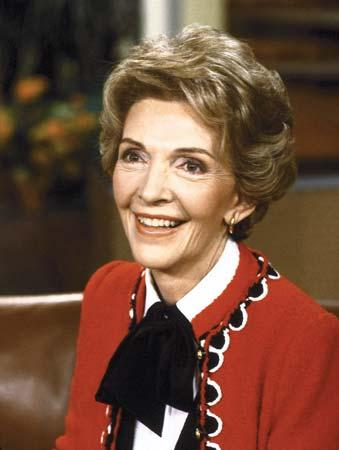 Elhunyt Nancy Reagan
