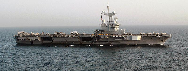 800px-French_nuclear-powered_aircraft_carrier_Charles_de_Gaulle.JPEG