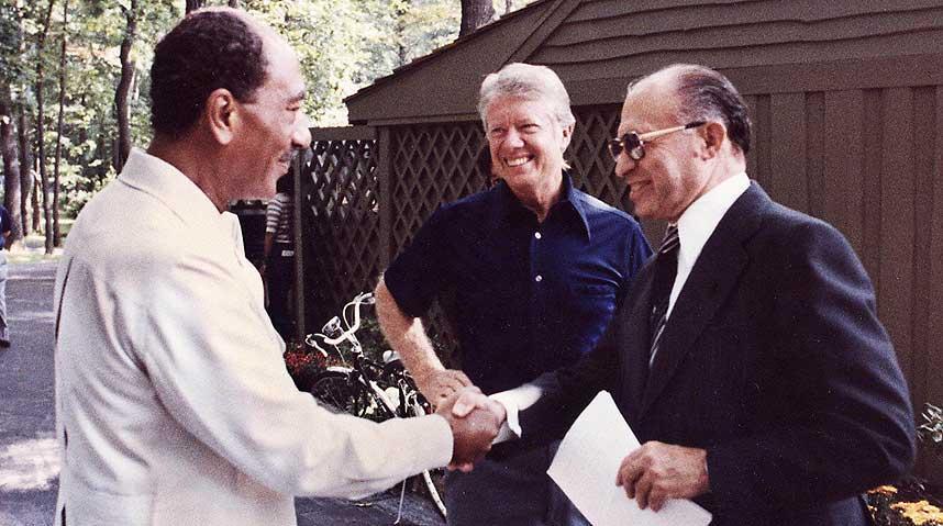 Camp_David,_Menachem_Begin,_Anwar_Sadat,_1978.jpg