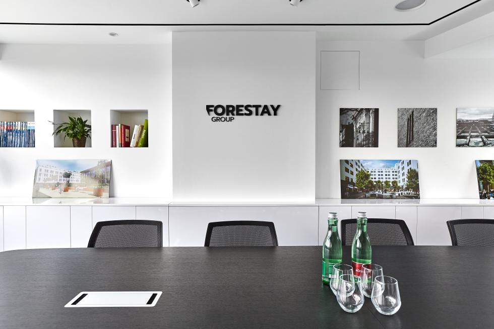 Forestay7604.jpg