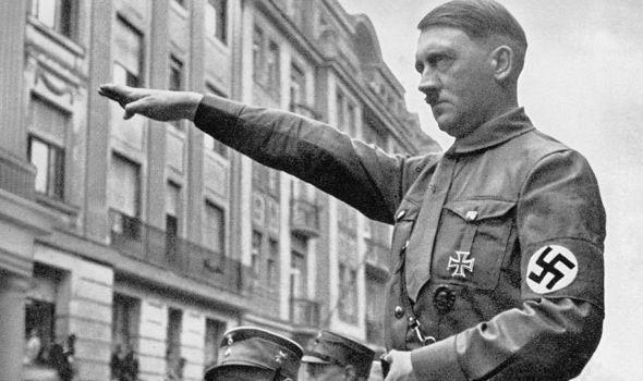 Hitler-714338.jpg