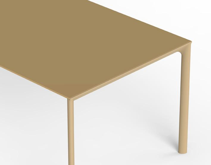 Kristalia-Maki-tavolo-disegnato-da-Bartoli-Design.jpg