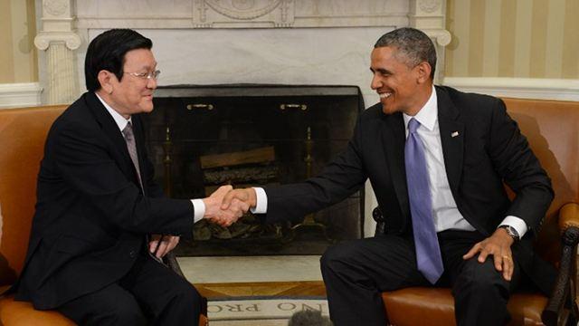 obama-vietnam-president-meeting-07252013.jpg.pagespeed.ce.knKOO1jk5K.jpg