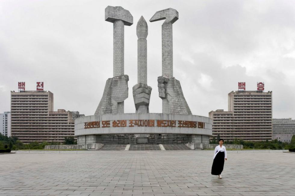 pyongyang-monuments-philippe-chancel.jpg