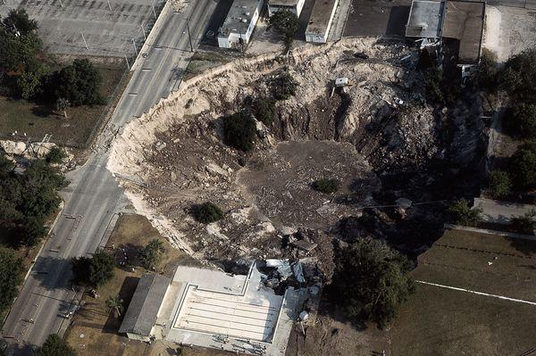 Sinkhole-Florida-Orlando.jpg
