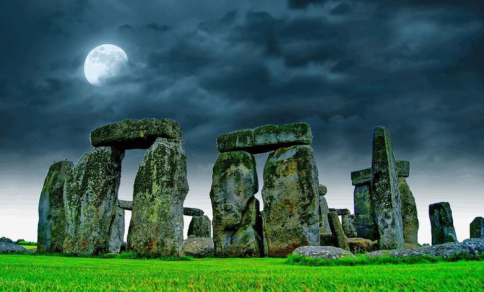 stonehenge-741485_960_720.jpg