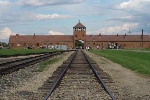 Trial-of-95-year-old-Auschwitz-medic-begins.jpg