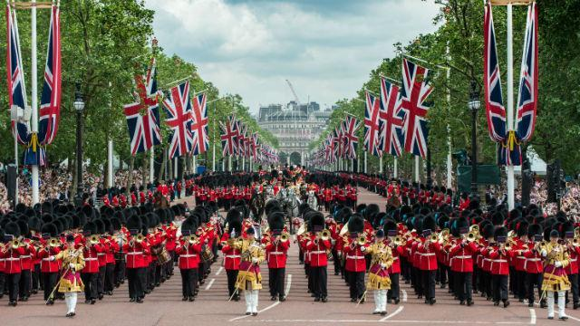 trooping-the-colour_trooping-the-colour_bc137f7ad2f52e3c1044d86805c67aa0.jpg