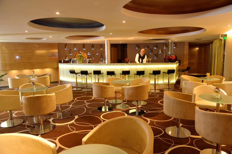 Velence resort & spa - drinkbar_04.jpg